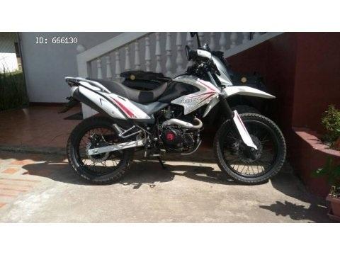 moto Raybar 250 montañera