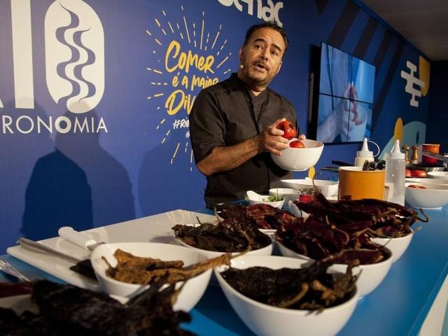 'Não existe nachos no México e 90% dos burritos são dos EUA', diz chef Ricardo Muñoz Zurita