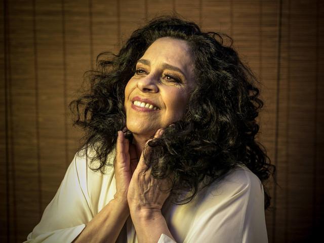 Gal Costa estreia turnê no sábado; disco tem dueto com Bethânia em homenagem às mães delas