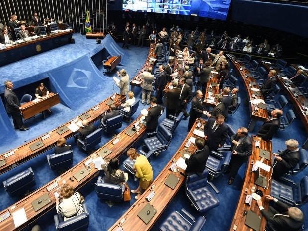 Senado aprova projeto de lei que proíbe limites de dados em banda larga fixa