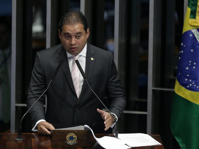 Texto abre brecha a caixa 2 | Sob pressão, relator admite mudar projeto eleitoral e põe regras em xeque para 2020
