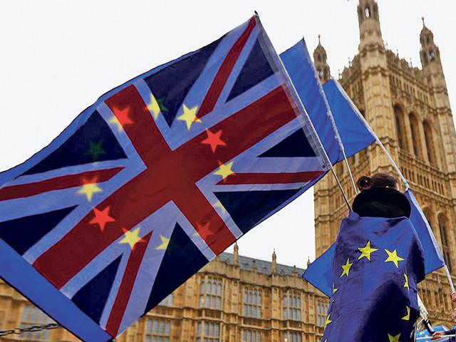 Parlamento Europeu escolhe caminho a seguir após votação britânica sobre acordo do Brexit