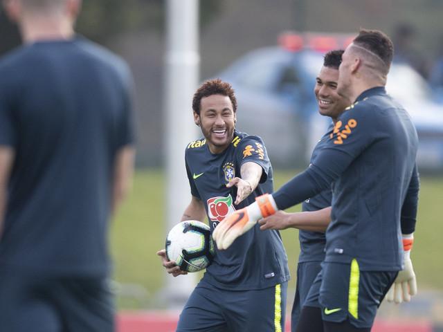Confira as fotos do treino da Seleção Brasileira na Granja Comary