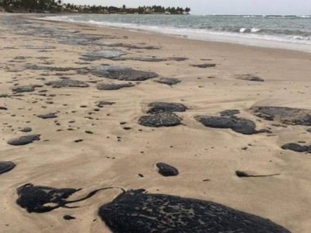 O plano para conter derrames de petróleo que não foi acionado pelo governo federal para o Nordeste