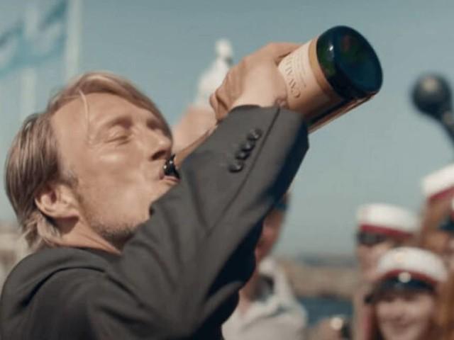 Coluna | 'Druk, a última rodada', de Thomas Vinterberg, e a vida em seu segundo tempo