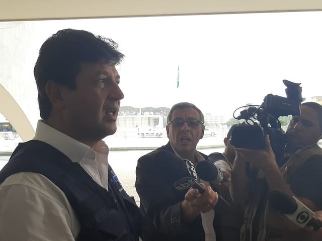 Governador do Acre desiste de seguir Bolsonaro após ouvir frase apavorante de Mandetta
