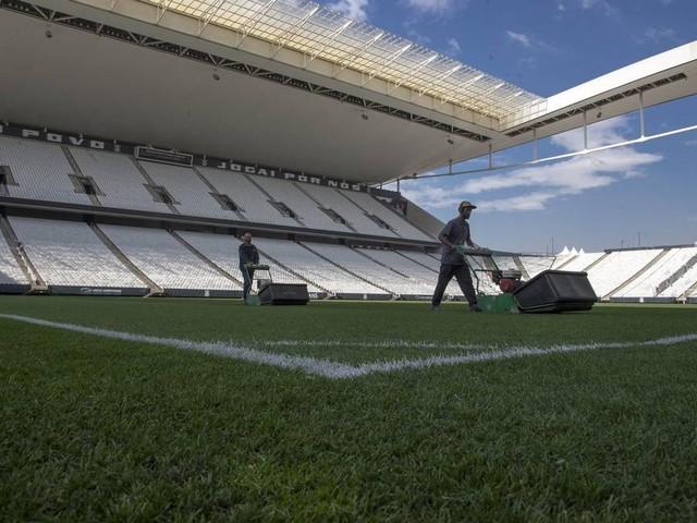 Gramados da Série A do Brasileirão perdem luta contra o clima e o calendário