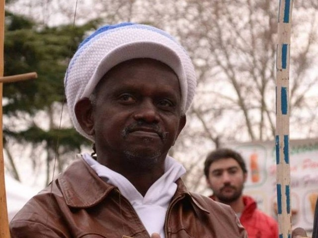 Mestre de capoeira é morto com 12 facadas após dizer que votou no PT, em Salvador