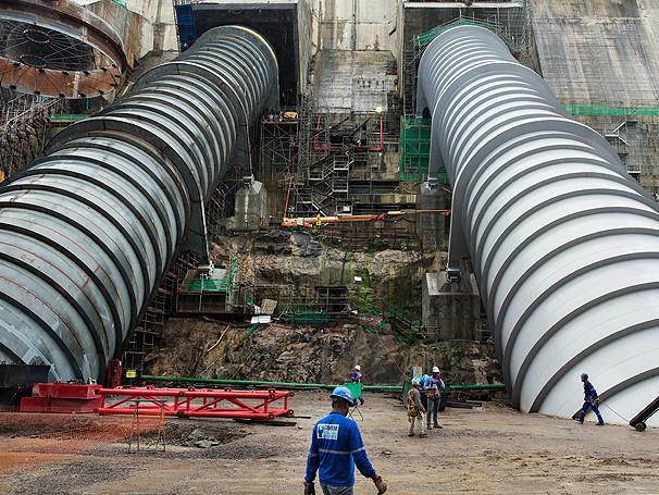 Linha de transmissão da usina de Belo Monte entra em operação