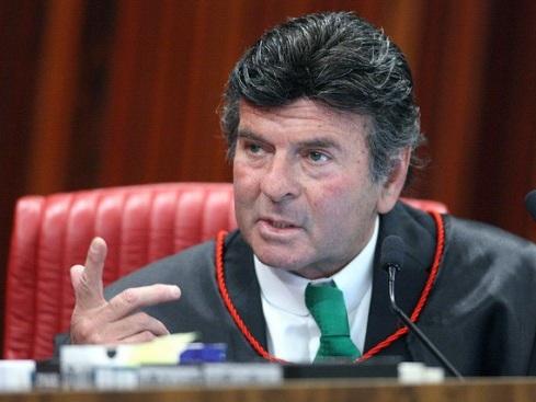 Fux suspende as duas ações penais em que Bolsonaro é réu no STF