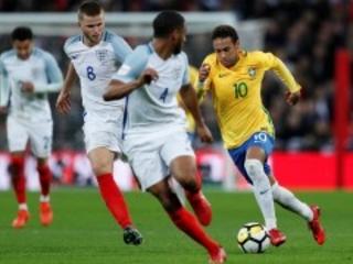 Brasil decepcionante e individualista, contra o time misto da Inglaterra. 0 a 0. Fica o alerta