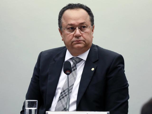Congresso | Pastor com histórico de imbróglios comandará barricada de Bolsonaro