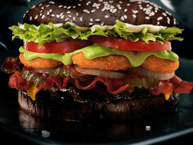 Fast food lança hambúrguer para festa de Halloween