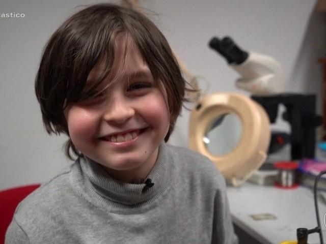 'Novo Einstein': conheça a rotina do menino de nove anos que vai se formar em engenharia elétrica