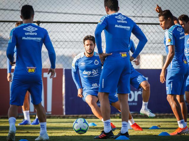 Mirando recuperação, Cruzeiro recebe a Chape no Independência