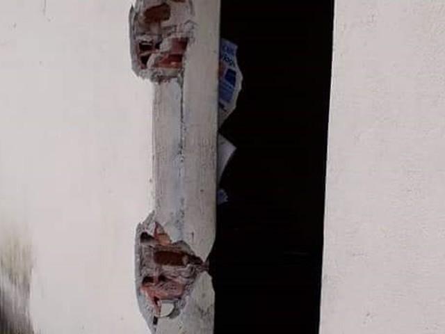 Grades de celas de cadeia desativada são furtadas em Cariré, interior do Ceará