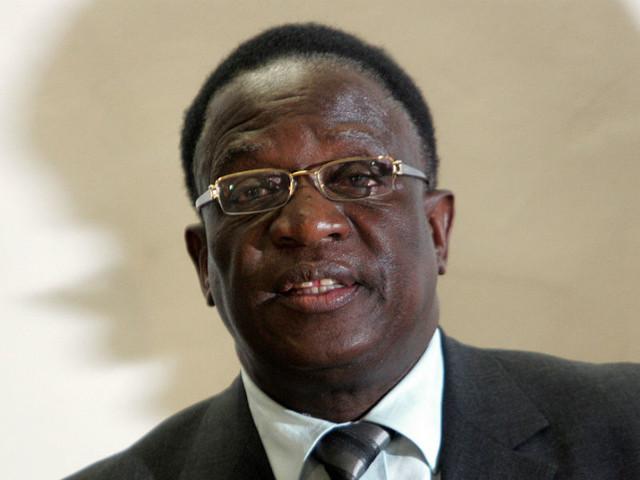 Zimbabué: Presidente provisório promete relançar a economia e combater corrupção