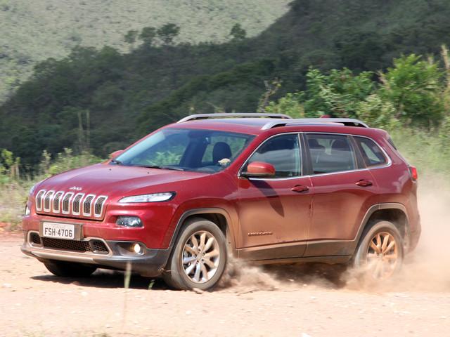 [Recall] Jeep Cherokee é chamado por falha em câmbio