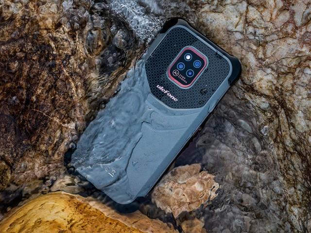 Ulefone Power Armor 14 é um celular resistente com bateria de 10.000 mAh