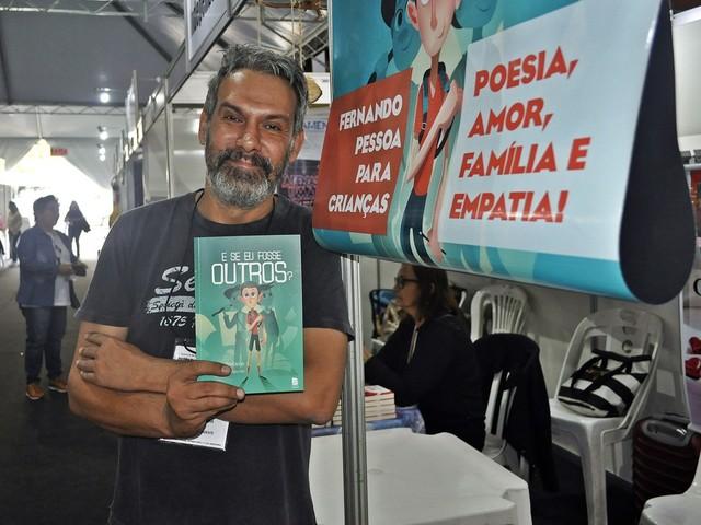 Literatura infantojuvenil abre caminhos para novos leitores e é aposta de autores no Flipoços