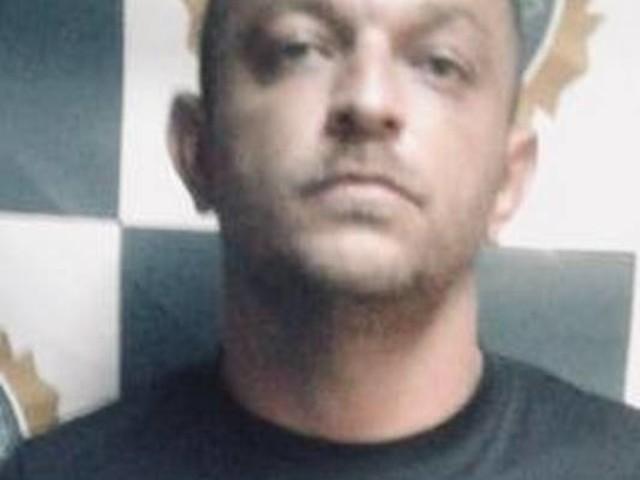 Suspeito de roubar durante o expediente, taxista é preso na Baixada Fluminense