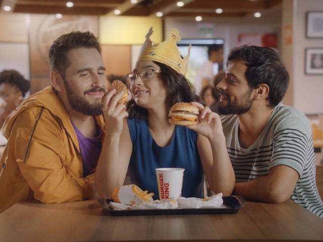 Com trisal protagonista, Burger King aborda poliamor em nova campanha