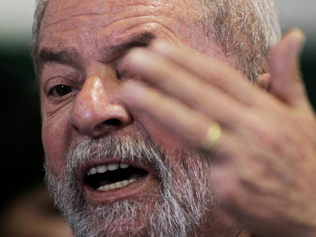 Brasil prepara-se para mais um dia difícil