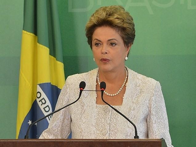 Dilma lidera absoluta disputa para o Senado em Minas