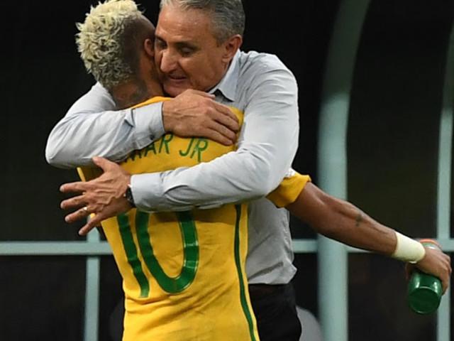 David Luiz, Diego Alves e Rodriguinho chamam a atenção. Mas a grande novidade na convocação de Tite foi a ausência de Neymar. O técnico peitou a CBF e a dona dos amistosos da Seleção. Poupou a principal estrela. Fez o que Felipão e Dunga sonhavam…