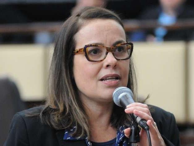 Parecer considera inconstitucional tentativa de deputados de suspender pagamentos de honorários