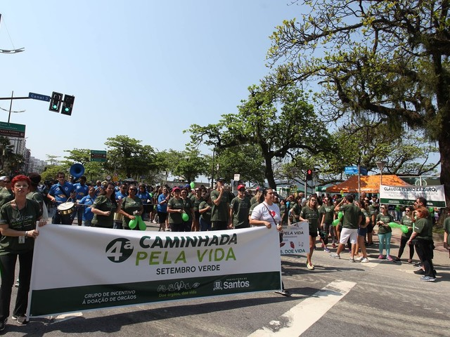 Caminhada em prol da doação de órgãos movimenta orla de Santos