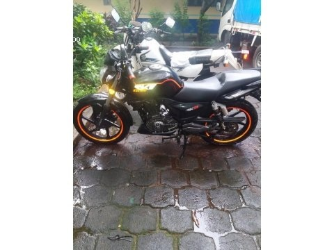 Vendo linda moto sport motor varilla 150
