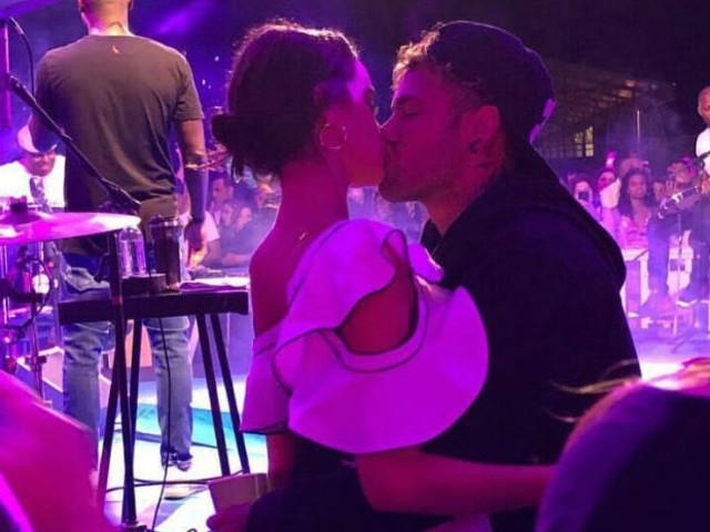Com Neymar, Bruna Marquezine desce até o chão ao som de 'Só quer vrau'