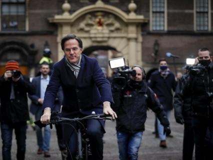 Premiê holandês renuncia após escândalo sobre subsídios fiscais para creches vir à tona