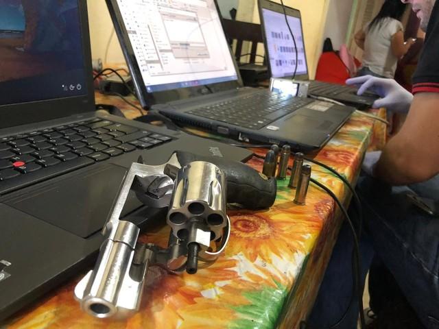 Homem é preso em flagrante com material de pornografia infantil e porte ilegal de arma, na PB