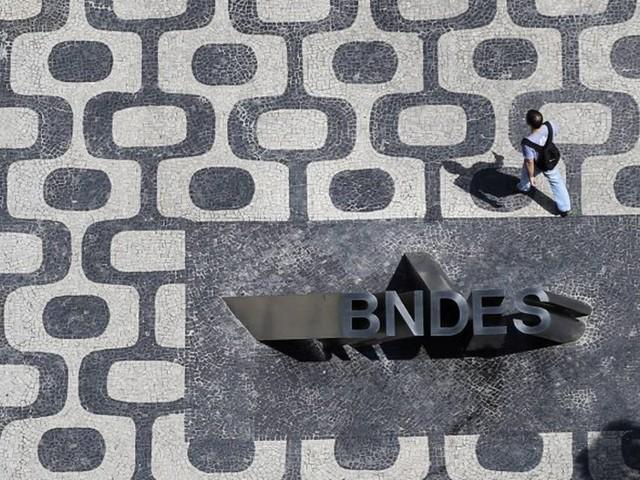 CPI do BNDES: suspensa votação de relatório que sugere indiciamento de Lula e Dilma