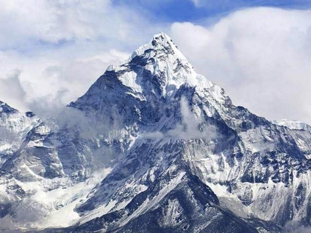 Nepal bane plásticos descartáveis do monte Everest