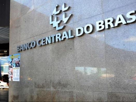 Banco Central não estipula prazo para liberar WhatsApp Pay no Brasil. Entenda