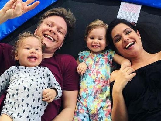 Michel Teló divulga momento com a família e encanta internautas