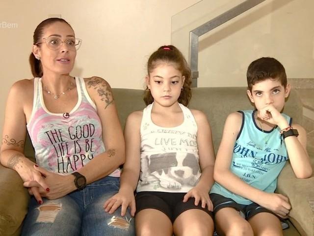 Pais fazem relatos emocionantes sobre a maternidade de gêmeos