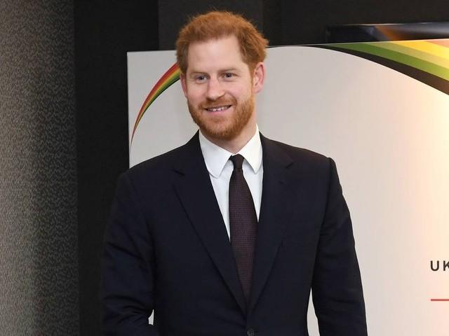 Príncipe Harry está 'arrasado' com condições para deixar família real: 'Não existia outra opção'