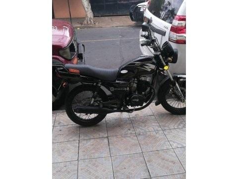 Vendo moto solo de montar e nada de invertir.