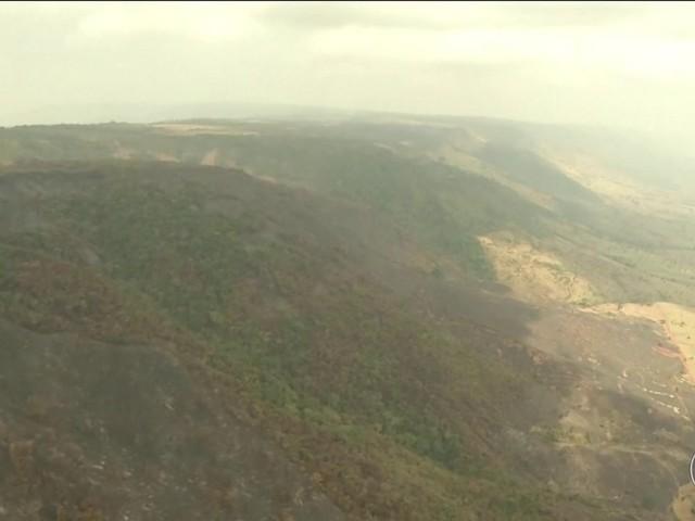 Bolsonaro chama ministros e faz reunião de emergência sobre queimadas na Amazônia