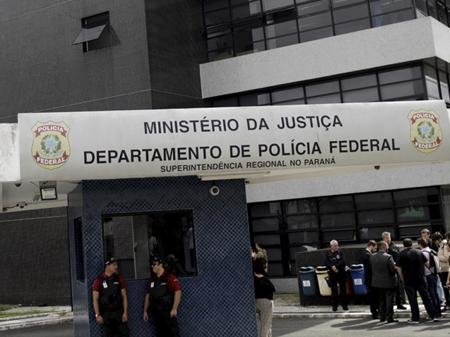 Juíza proíbe entrada do médico de Lula