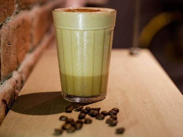 Repaginada, batida de café do chef Felipe Bruzzi é feita com vodca e leite condensado