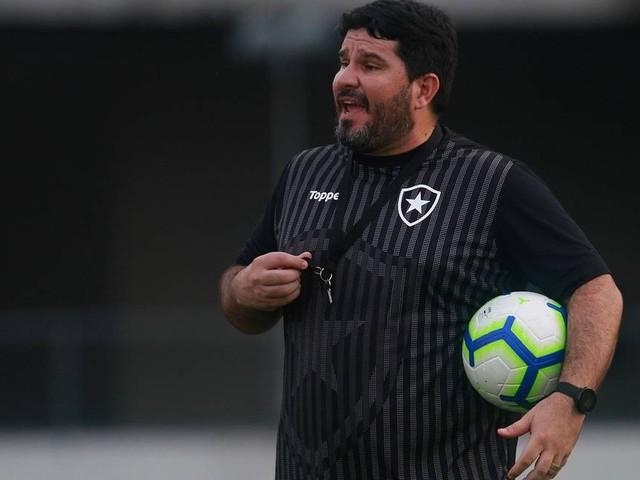 Barroca tenta aperfeiçoar o Botafogo contra o vice-líder Santos