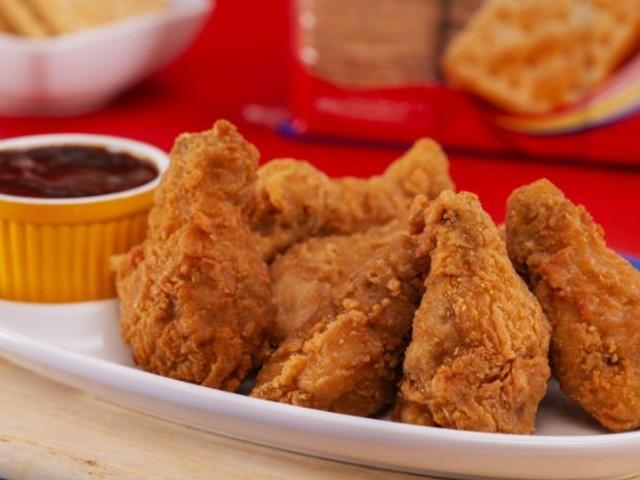 Vai um petisco? Aprenda a fazer coxinha de galinha crocante