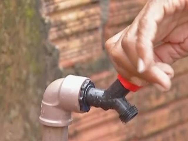 Moradores de vila no bairro do Guamá reclamam de falta de água