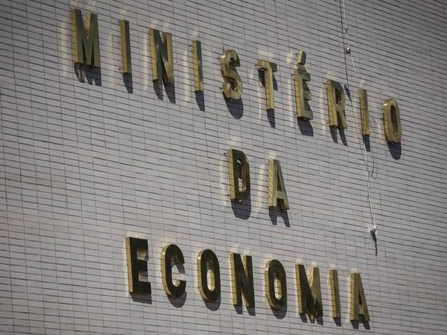 Decreto de Bolsonaro limita gastos do governo federal até março