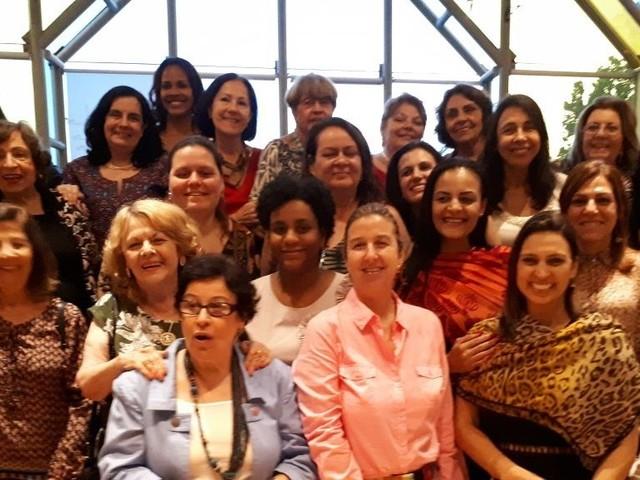 Festa de Natal reúne dois grupos de leitura no Rio de Janeiro!